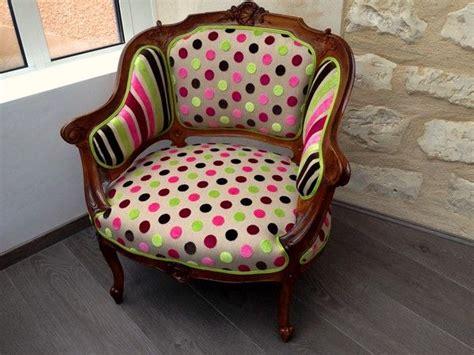 capitonner un canapé les 25 meilleures idées de la catégorie fauteuil crapaud