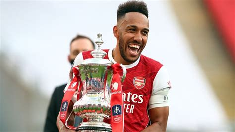 Pierre-Emerick Aubameyang: Arsenal striker set to sign new ...