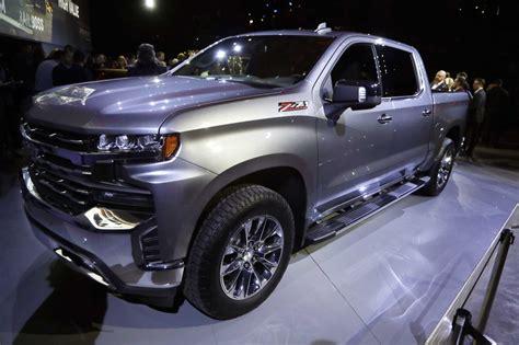 autonomous cars loom   detroit auto show