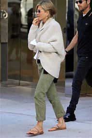Jennifer Aniston Casual