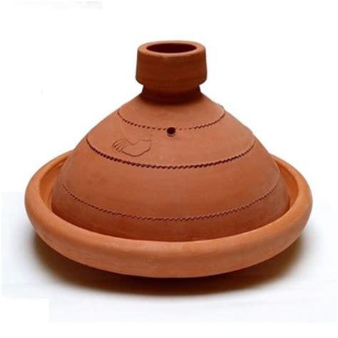 cuisiner dans un tajine en terre cuite plat a tajine en terre cuite dans plat à tajine achetez au