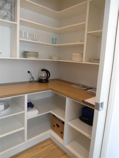 Shelving Pantry Ideas by Best 20 Pantry Shelving Ideas On Pantry Ideas