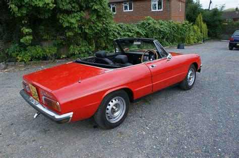 1975 Alfa Romeo Spider Photos, Informations, Articles