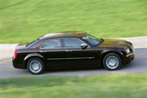 Chrysler Car : 2010 Chrysler 300