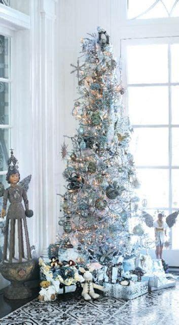 christmas tree decorations silver 21 silver christmas tree d 233 cor ideas digsdigs