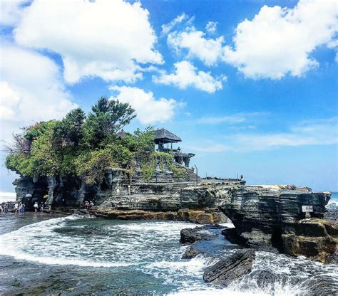 unik foto pantai tanah lot bali info wisata seru
