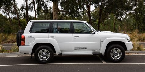 nissan patrol 2016 white 2016 nissan patrol st y61 review caradvice