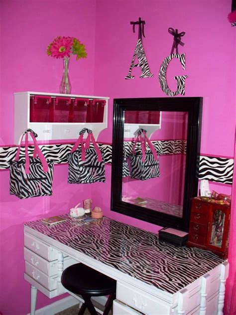 Pink Zebra Bedroom by Endearing Black And White Or Pink Zebra Room Bedroom