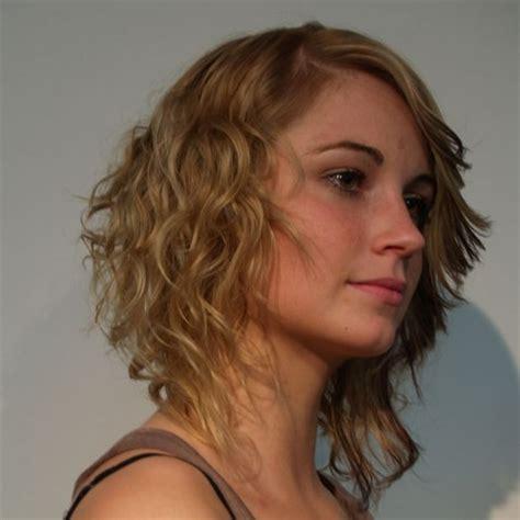 frisuren fuer krauses duennes haar