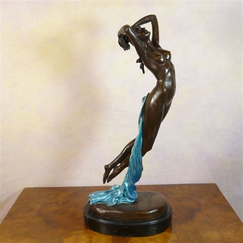 statuette deco femme quot one hour of the quot statue in bronze sculptures