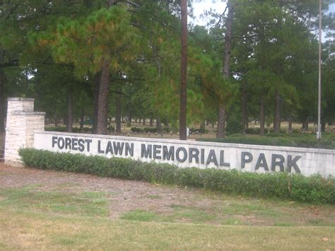Forest Memorial Gardens by File Forest Lawn Memorial Park In Pineville La Jpg