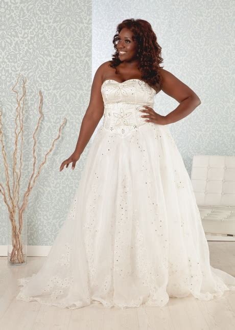 wedding dresses  heavy women