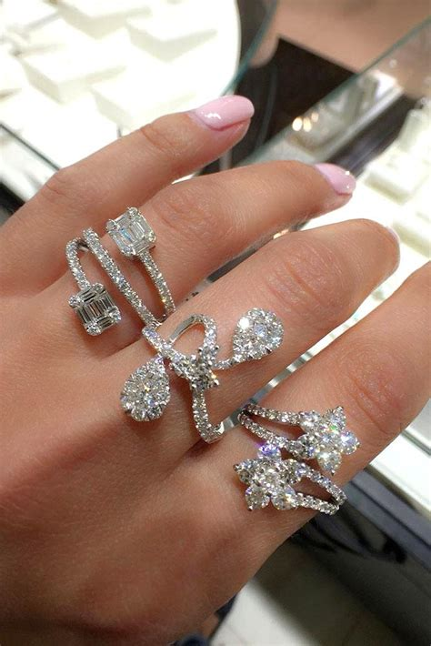 21 unique engagement rings that will make happy oh so
