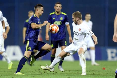 Ferencvaros win a corner and they deliver a series of balls into the box which the bianconeri clear away. Ferencvarosi TC Vs GNK Dinamo Zagreb live stream - Footybite
