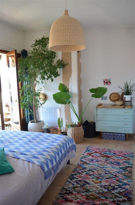 plante dans une chambre dormir avec des plantes dans la chambre danger