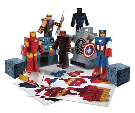 Avengers Papercraft Set
