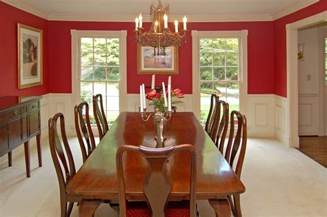 Beautiful Home Dining Room With White Wall Wainscoting