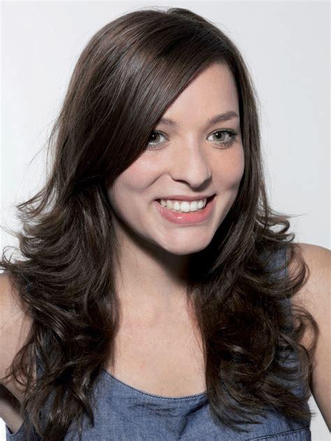 long brunette hair   high side partition  curls