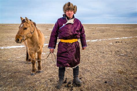 mongolian horsemen nomadic steppes echanove angela
