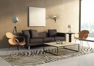 Wandgestaltung Wohnzimmer Erdtöne : wohnzimmer afrikanisch gestalten so gehts ~ Markanthonyermac.com Haus und Dekorationen