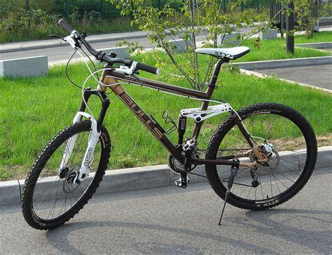 fahrrad mit anhänger vorne mountainbike