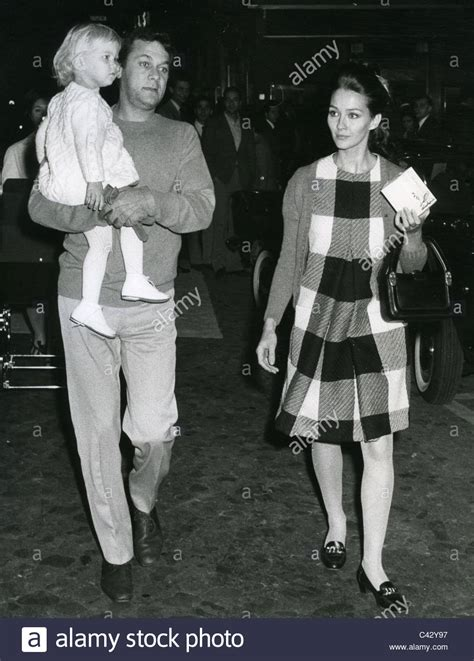 Tony Curtis And Leslie Allen