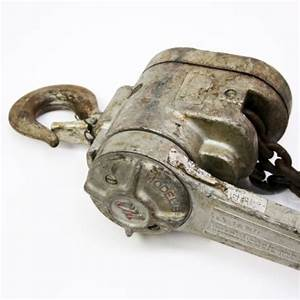 Cm Chisholm Moore Ratcheting Chain Hoist Come Along 1 2