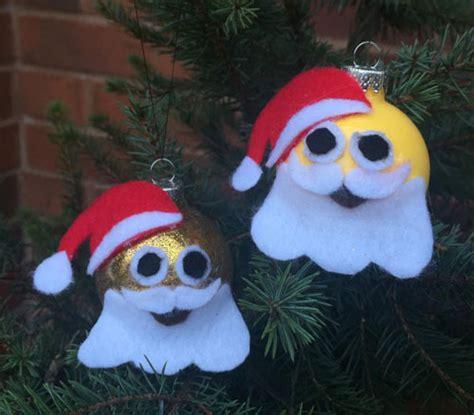 santa emoij christmas ornament