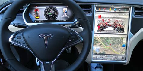 31+ Tesla 300 000 Customers Household Income Background