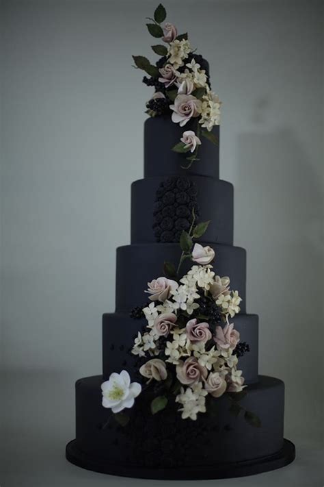 20 Dark Wedding Cakes That Add A Gothic Flair To The