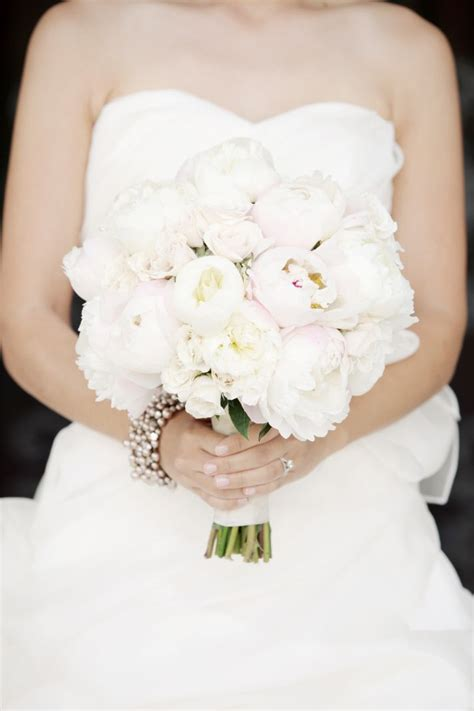 brides love peonies   wedding day