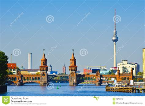 oberbaumbruecke in berlin lizenzfreie stockfotos bild 16792078