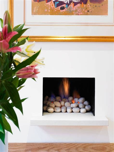 fireplace glass rocks 25 fireplace decorating ideas with gas logs electric logs