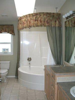 ideas  corner bathtub  pinterest corner tub bathtubs  corner bath