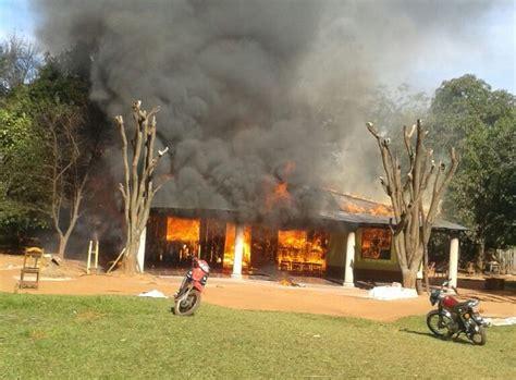 Incendio Consumió Vivienda  Nacionales  Abc Color