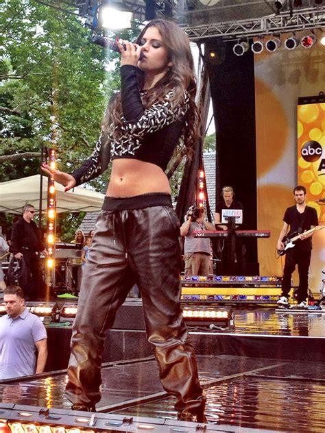 selena gomezs good morning america performance outfit
