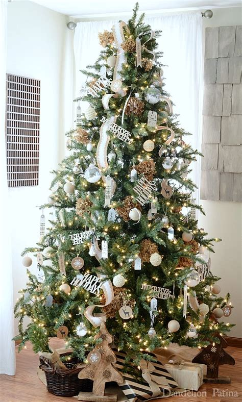 pics of decorated trees 15 best ideas about happy holidays on