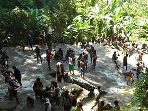 Un Saut D Eau : haitian women bathing images ~ Dailycaller-alerts.com Idées de Décoration