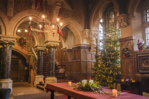 traditional christmas  knightshayes  exeter daily