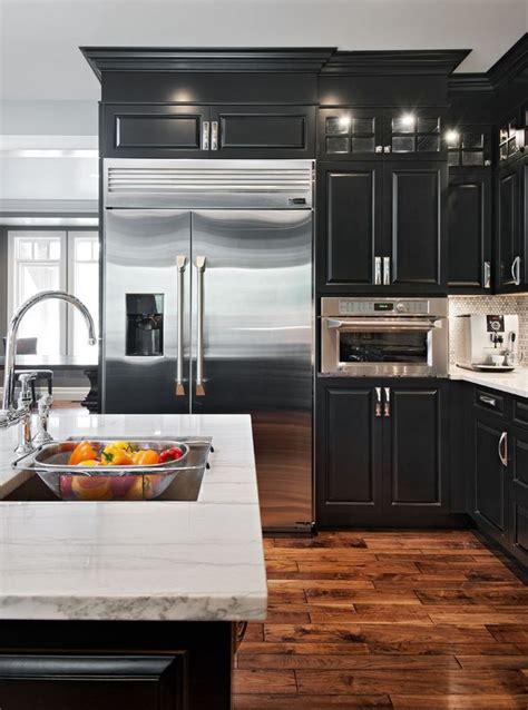 shelf kitchen cabinet black and white 45 sensational kitchens to inspire 2186