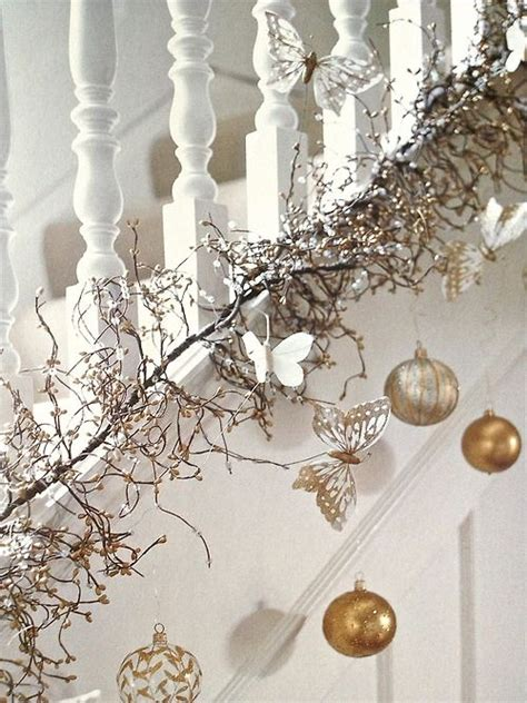 44 Refined Gold And White Christmas Décor Ideas  Digsdigs. Lawn Decorations For Christmas. Wholesale Burlap Christmas Decorations. Cheap Christmas Decorations Online. Christmas Decoration Ideas Silver And White. Amazon Christmas Decorations Reindeer. Christmas Centerpieces For Large Tables. Homemade Christmas Decorations Diy. Christmas Ornament Ideas Easy