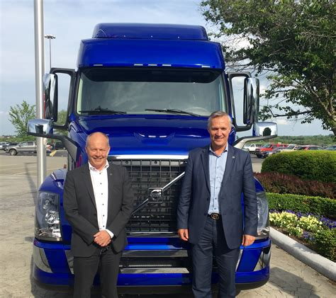 volvo group trucks technology volvo execs talk growth dedication to technology truck news
