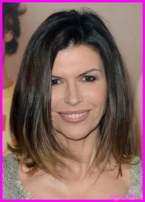 awesome youthful hairstyles for women over 50 lives star