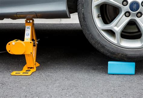 A Brief Guide To Buying The Best Car Floor Jack