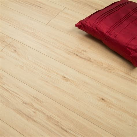 laminate flooring light oak discovery scafell light oak 12mm v groove ac4 1 496m2 laminate from discount flooring depot uk