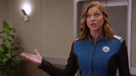 kelly orville actress the orville trailer the universe has a crew loose tv