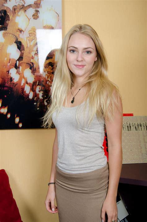 Annasophia Robb Actress Profile |Hot Picture| Bio| Body ...