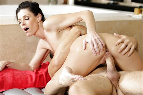 Brunette Milf India Summer Bares Oiled Body And Sucks Cock