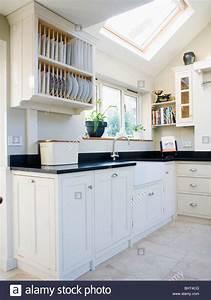 Granit Arbeitsplatte Kaufen : platte oben montiert h heneinheit mit schwarzem granit arbeitsplatte in modernen wei en k che ~ Michelbontemps.com Haus und Dekorationen