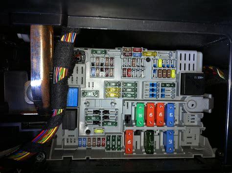 E90 Fuse Box Cigarette Lighter by Bmw 1 Series Fuse Box Cigarette Lighter Wiring Library